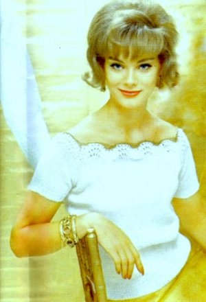 Romantic Blouse with Metallic Trim Knitting Pattern 726062