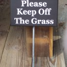 Keep Off The Grass Wood Vinyl Sign with Metal Stake Yard Garden Outdoor Home Decor