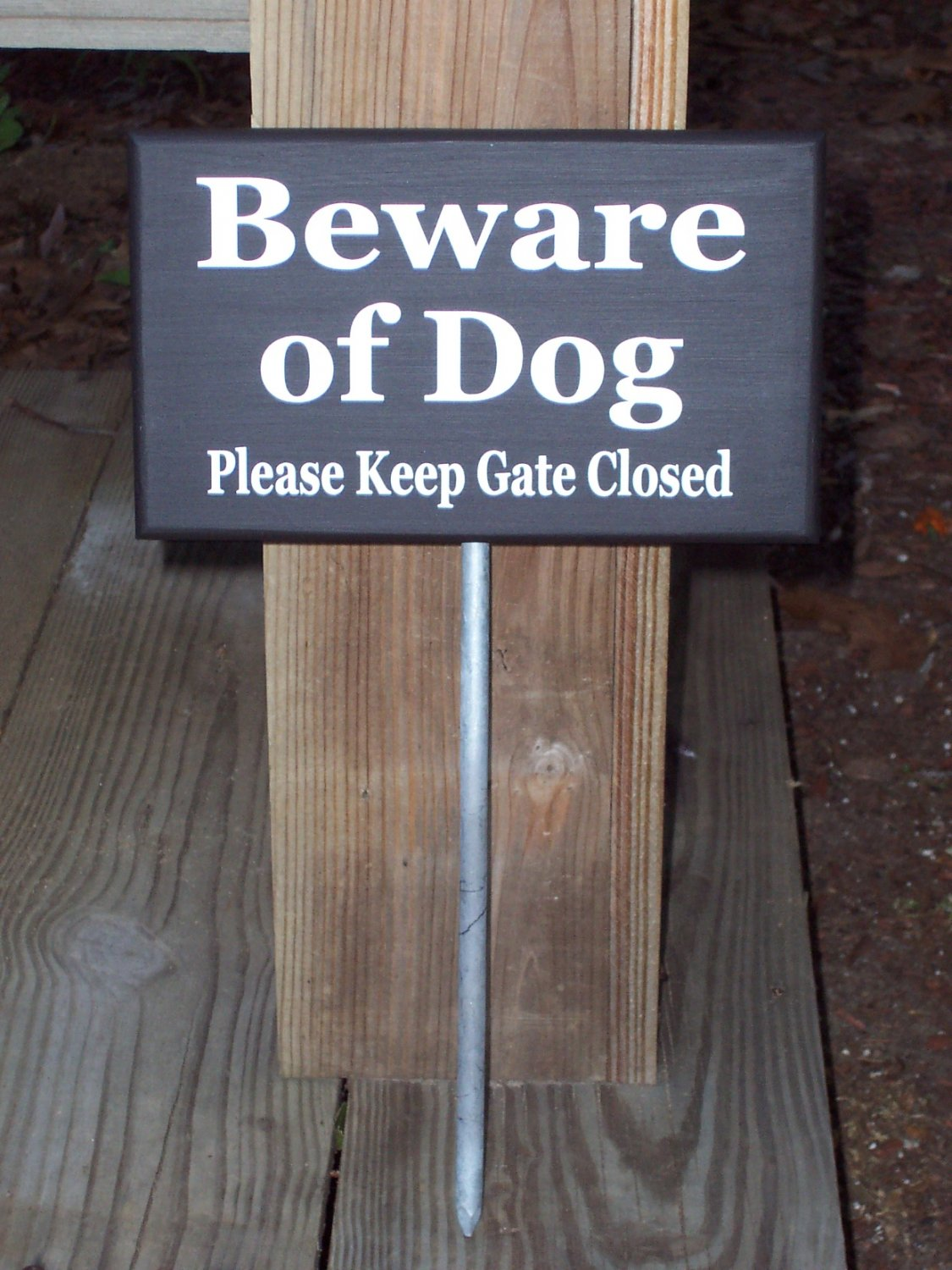 Beware of Dog Please Keep Gate Closed Wood Vinyl Sign with Metal Stake Garden Outdoor