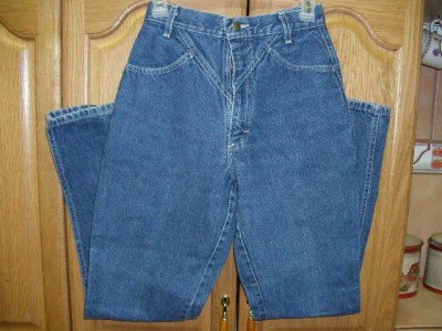 Womens V-yoked Blue Jeans 24x31 ~no back pockets size 3