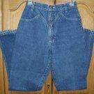 Womens V-yoked Blue Jeans 24x31 ~no back pockets size 3