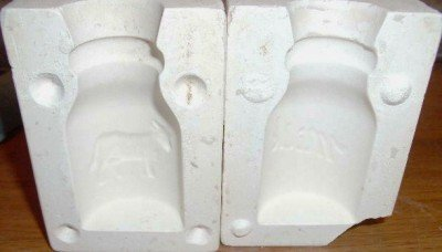 SMALL CERAMIC MOLD ~ MILK BOTTLE WITH COW ~ DECORATIONS