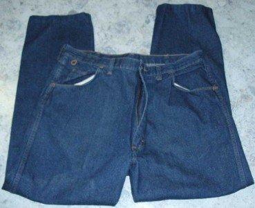Men's Wrangler Rugged Wear  40 x 30 ---5 pocket