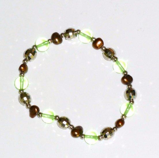 Freshwater Chocolate Pearl Bracelet, Peridot Green Crystal & Silver-tone Beads
