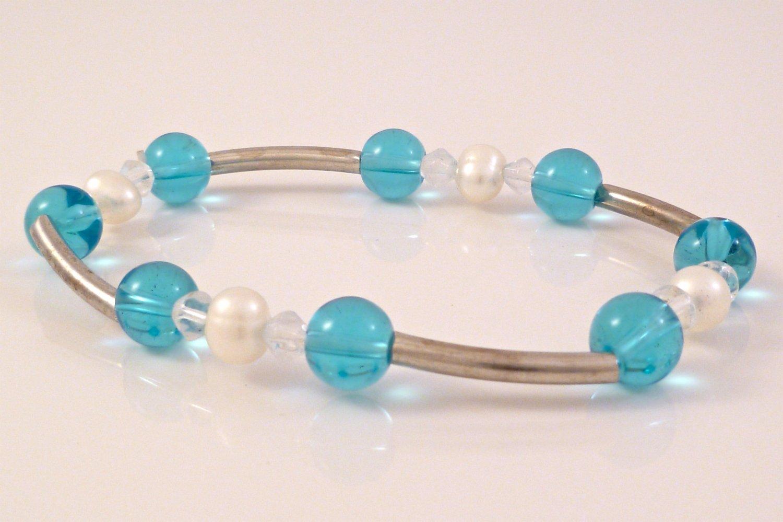 Freshwater Bracelet White, Turquoise Crystal, Long Silver-tone Beads