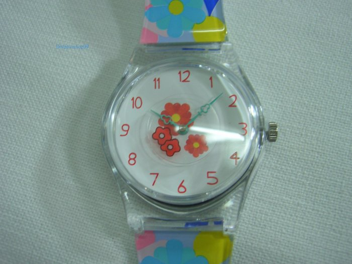 Colorful Flower Round Case Plastic Quartz  Wrist Watch w/ Battery