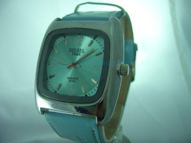 Blue Square Case Leather Band Quartz  Wrist Watch w/ Battery 4cm x 4cm