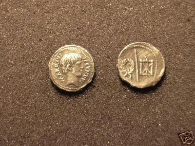 (RR-33) Denarius of M.Arrius Secundus COPY
