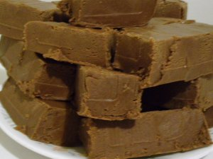 OLD FASHIONED HOMEMADE CHOCOLATE FUDGE - ONE POUND