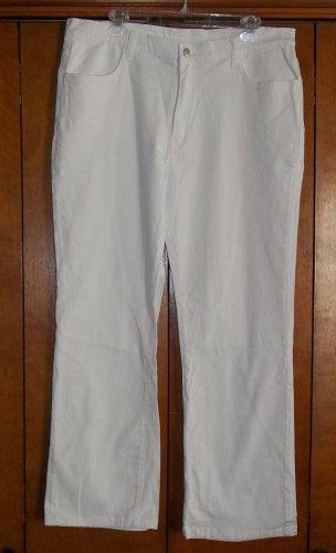 Ladies White Jeans - Size 14 (Monroe & Main)