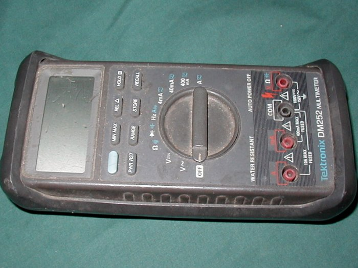 Tektronix DM252 Digital Multimeter