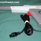 Nintendo NES GRAY ZAPPER LIGHT GUN Rare Original Grey