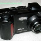 Nikon Coolpix 800 2MP Digital Camera w/ 2x Optical Zoom Set