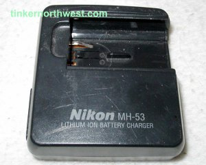 Nikon MH-53 Coolpix Battery Charger for EN-EL1