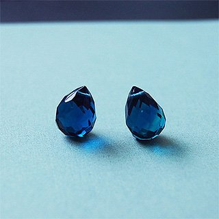 Royal blue facted glass briolette (per piece)