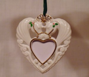 Breyer model horse #700719 Heart Shaped Photo Frame Ornament, new in box