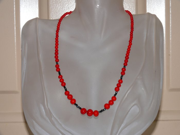 Red And Black Vintage Beaded Necklace