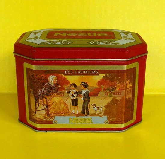 Nestle LES LAURIERS Octagon Collectible TIN Canister