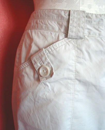 DESIGNER Casual CAPRI Cropped Pants PETITE 10 M P 10P Ann Taylor Beige Cotton