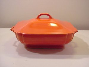 Homer Laughlin Riviera red Covered Casserole