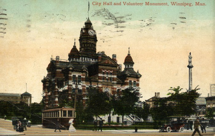 Winnipeg Manitoba Canada Postcard, City Hall and Volunteer Monument c.1910
