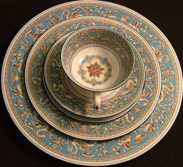 Wedgwood Fine Bone China 6 Pc. Place Setting, Florentine Pattern c.1931