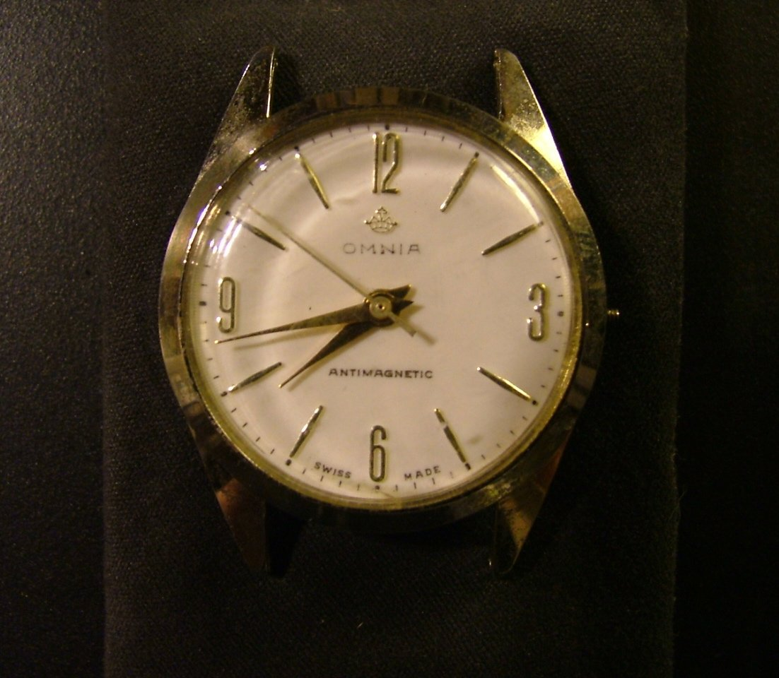 Omnia Men's Watch, White Dial & Sweeping Second Hand c.1956