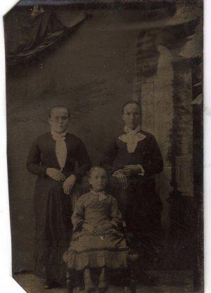 Civil War Era Tintype, Two Women & A Young Girl c.1861