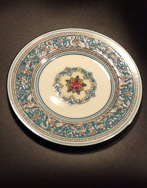 Wedgwood Fine Bone China 6 Inch Bread Plate, Florentine Pattern