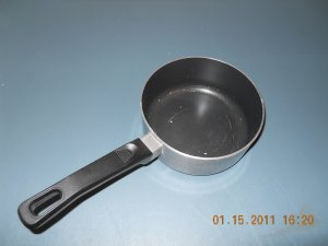 WearEver brand 2qt pot - non stick