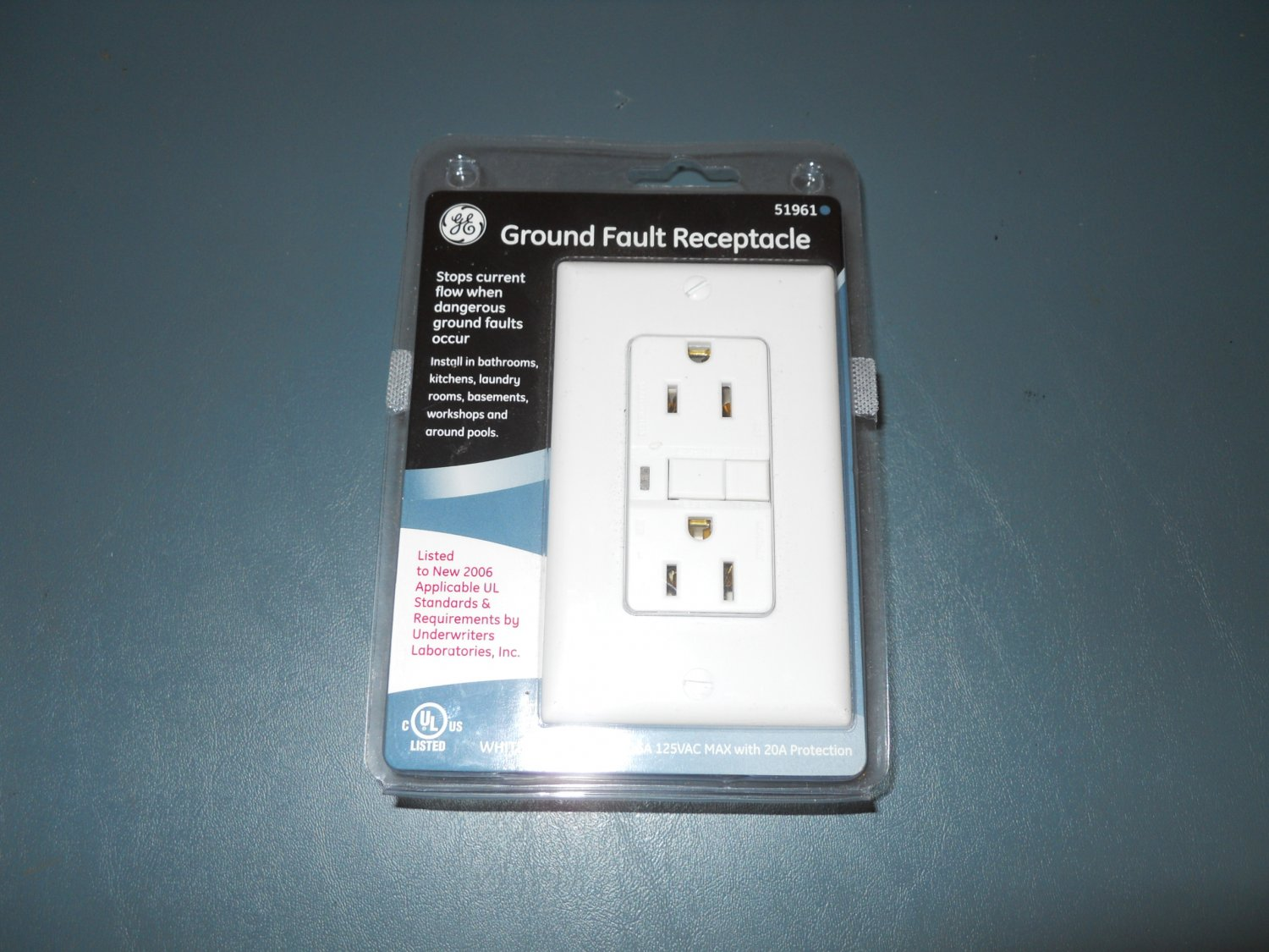 GE 51961 Ground Fault Receptacle, 15A/125VAC, White