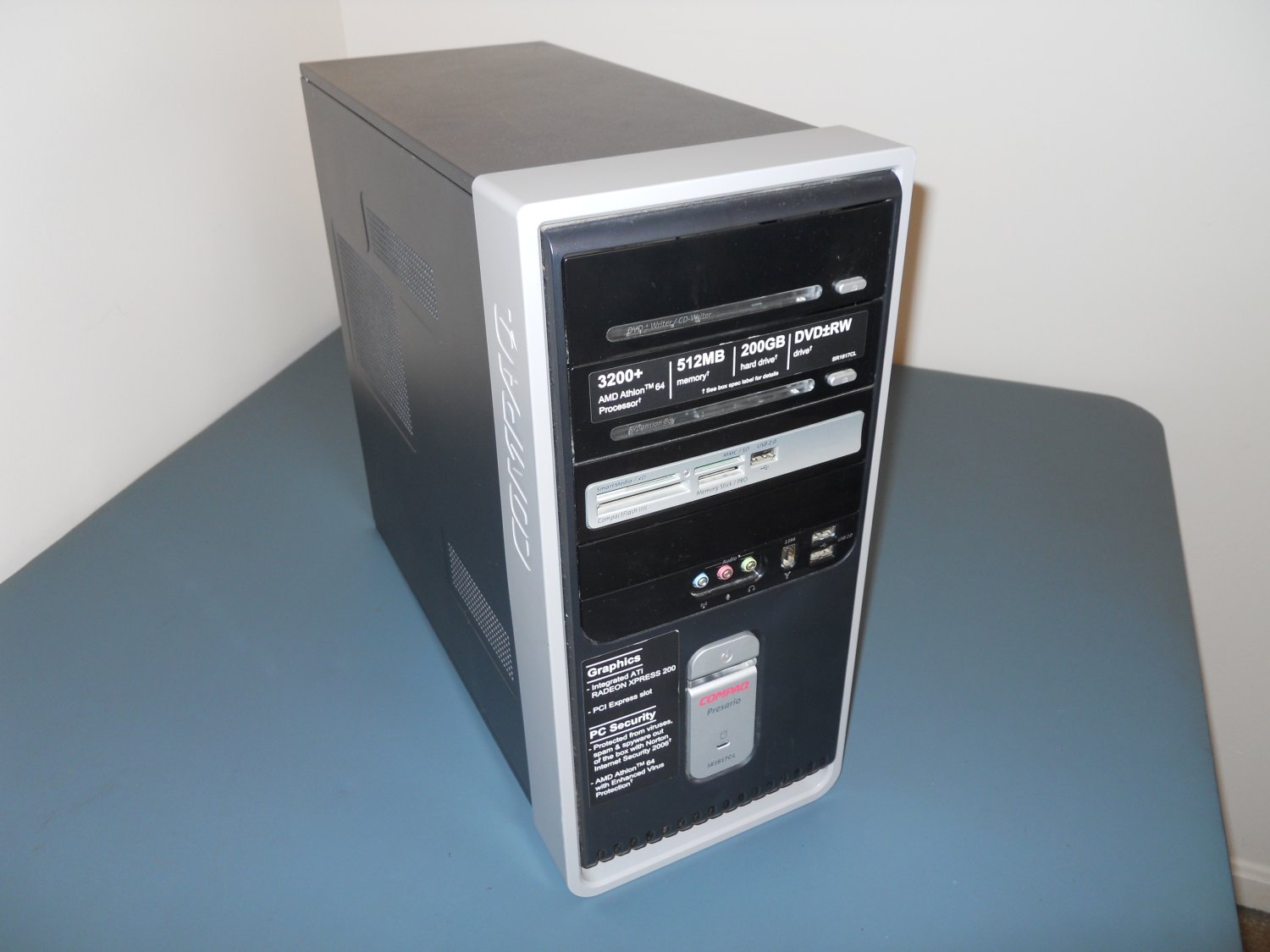 Compaq Presario mid-tower ATX PC Case chassis tower with XP Key
