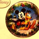 "Disney Mickey & Pluto Wreath - 20"""