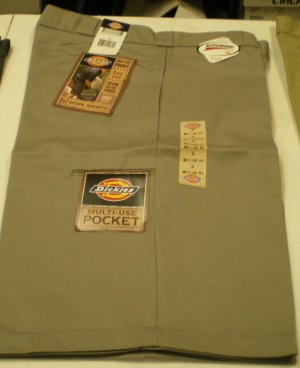 Dickies Men's Shorts size: 40 NEW w/ Tags Gray