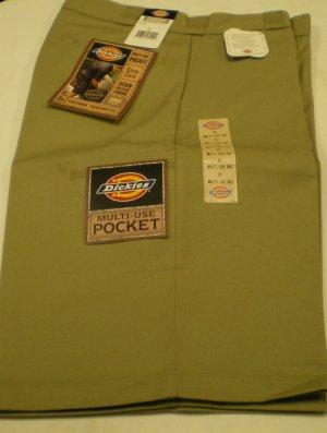 Dickies Men's Shorts size: 32 NEW w/ Tags TAN/Khaki