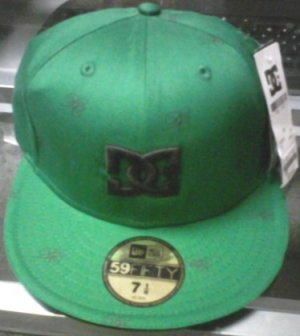 DC Men's Aron hat New w/ Tags!