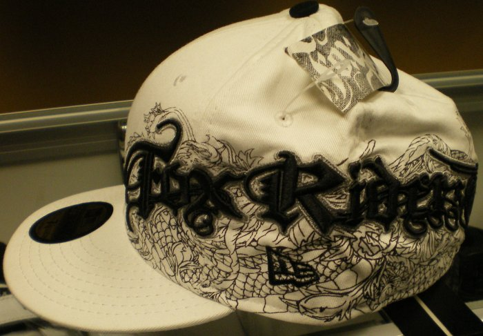 Fox Snap Dragon New Era 59/Fifty Wht/Blk New w/ Tags!