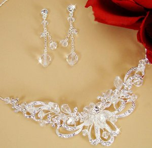 Stunning Crystal Bridal Jewelry Necklace Earrings Set!