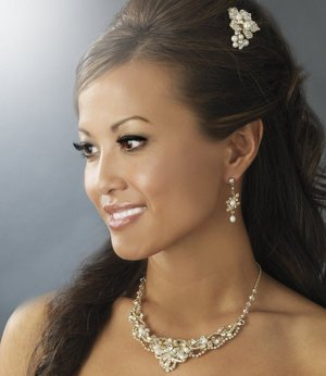 Gold Plated Crystal Pearl Bridal Comb and Wedding Jewelry Set
