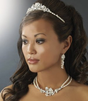 Freshwater Pearl and Crystal Sophisticated Wedding Jewelry and Bridal Tiara Set