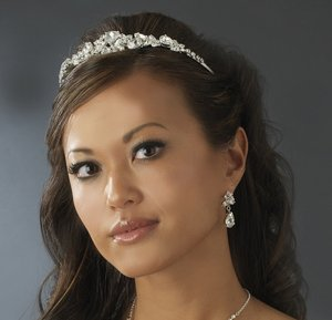 Gorgeous Rhinestone Silver Plated Bridal Prom or Quinceanera Wedding Tiara!