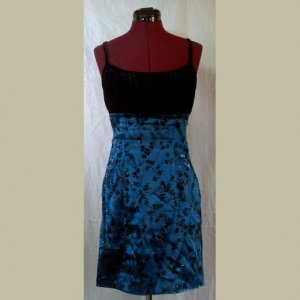 SATIN BLUE FLORAL COCKTAIL DRESS~BLACK VELVET BODICE~Formal~Prom~Homecoming~size 7