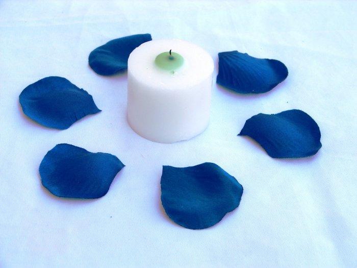 100 Blue Silk Rose Petals Weddings Crafts (Large)
