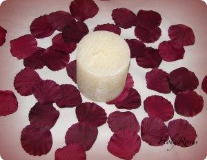 500 Burgundy Silk Rose Petals Weddings Crafts (Small)
