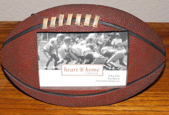 "FOOTBALL ""SHAPED"" PICTURE FRAME 5"" X 3.5"" **NEW**"