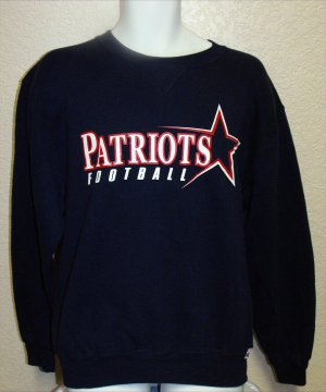 NEW ENGLAND PATRIOTS SWEATSHIRT, SIZE MEDIUM *NEW*