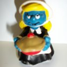 SMURF VINTAGE SMURFETTE WITH THANKSGIVING PIE Figure