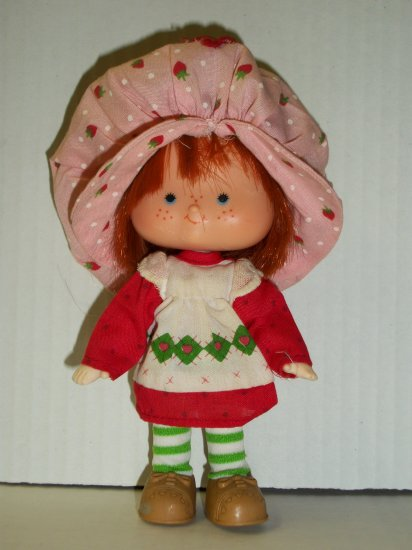 STRAWBERRY SHORTCAKE VINTAGE STRAWBERRY SHORTCAKE Doll