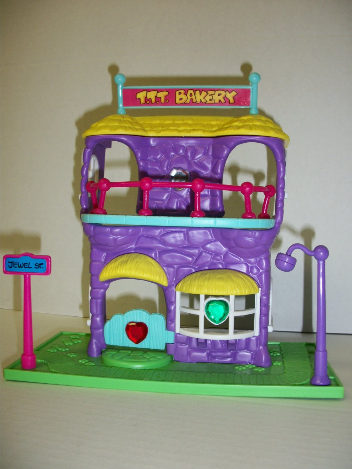 TREASURE TROLL TEENIES BAKERY Playset