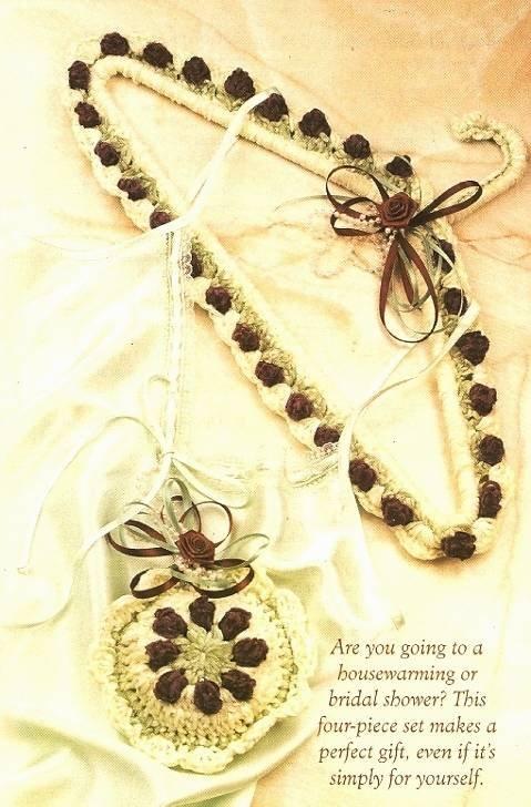 Y469 Crochet PATTERN ONLY Rosebud Bath Set Hanger Sachet Tissue Lotion Cover